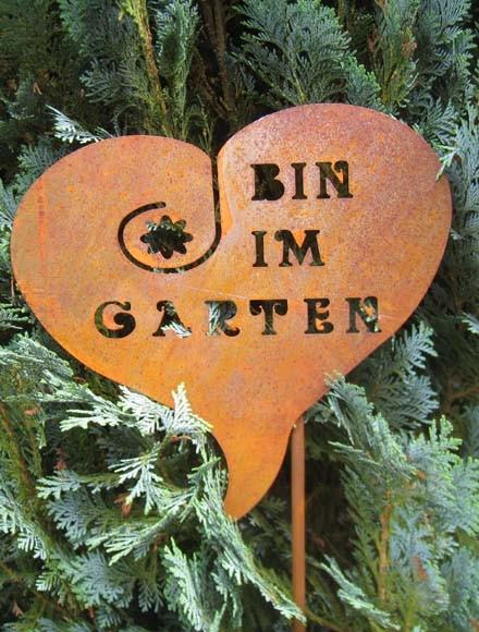 Rost-Patina Herz, bin im Garten